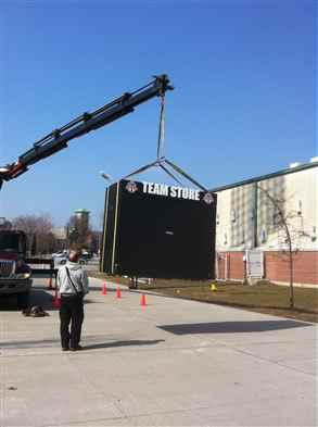 Craning mobile store booth
